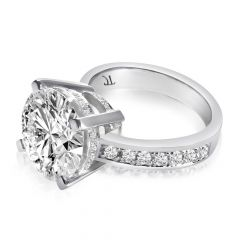 THE ULTIMATE ENGAGEMENT RING