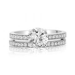 ROUND BRILLIANT DIAMOND RING SET